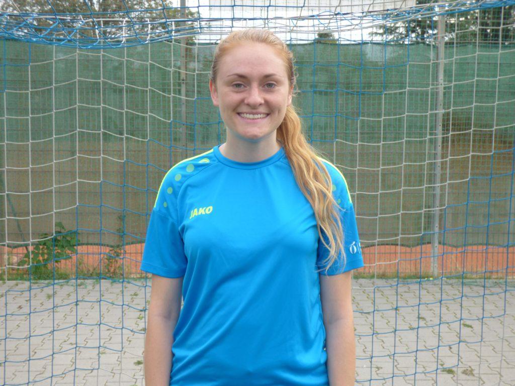 Name: Jana Busch Position: Mittelfeld