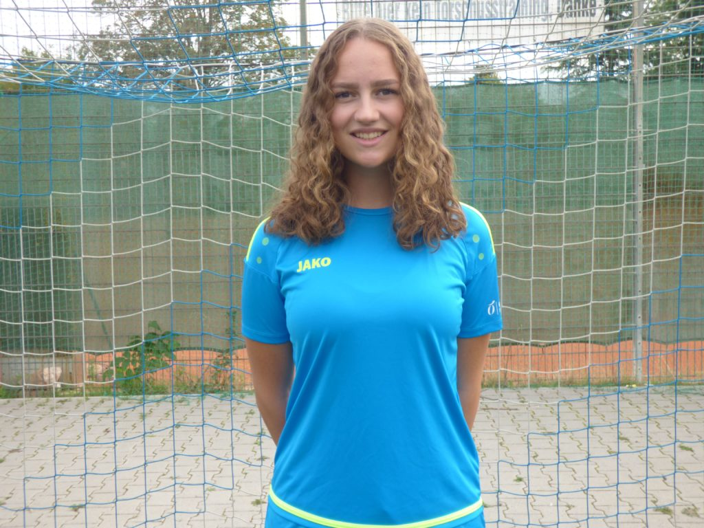 Name: Kristin Lintz Position: Mittelfeld