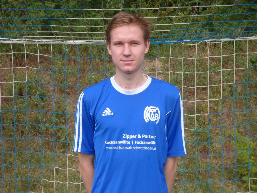 Name: Paul Nikolaev    Position: Mittelfeld