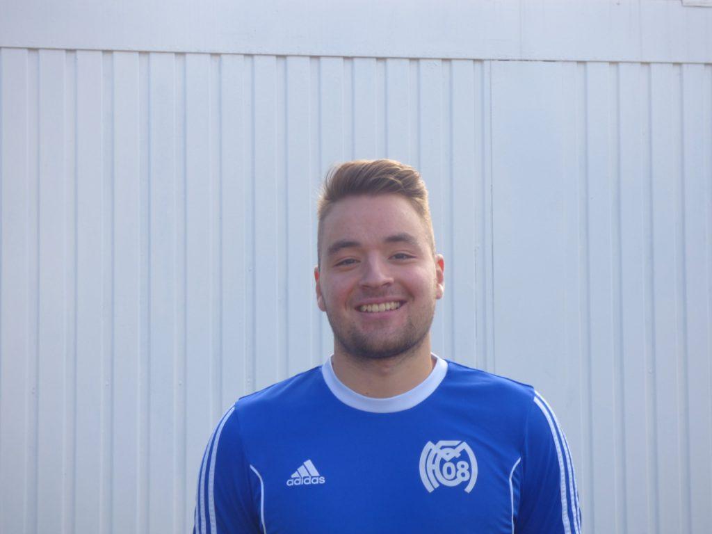 Name: Adrian Schmitt Position: Mittelfeld
